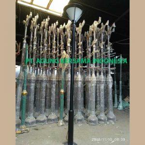 Harga Tiang Lampu Taman