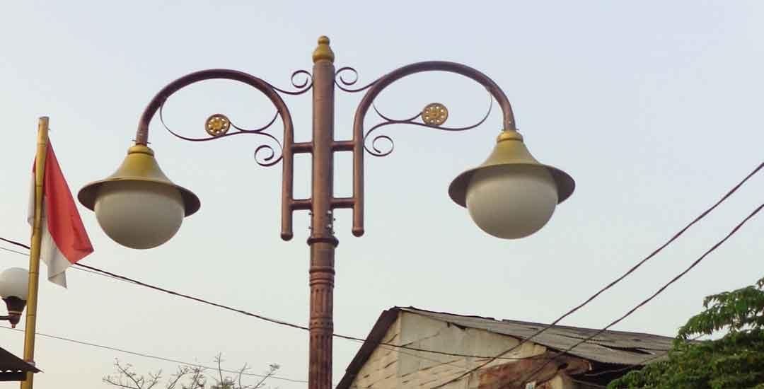 Distributor Tiang Lampu Taman