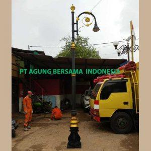 Tiang Lampu Jalan Kampung